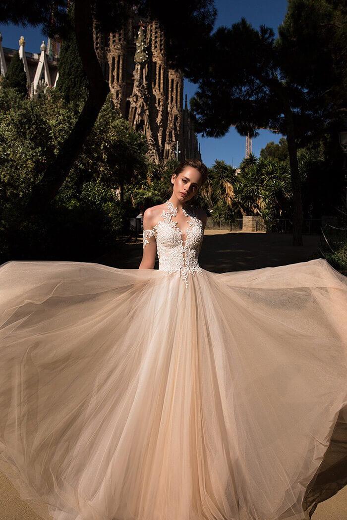繞頸削肩領型款式婚紗禮服,手工婚紗