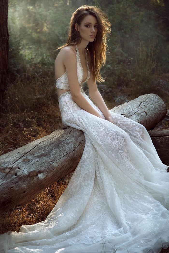簍空露背設計 時裝手工婚紗